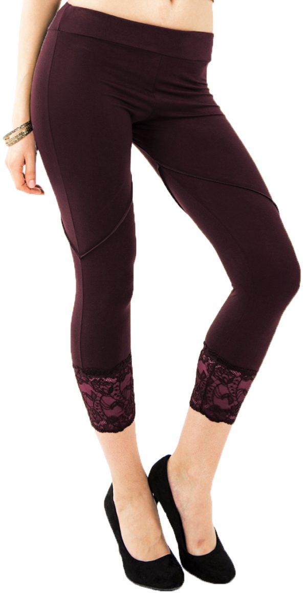 Yoga leggings with lace trim