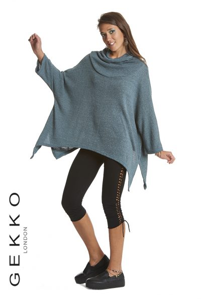 Poncho top with bat sleeves of Game of Thrones inspiration