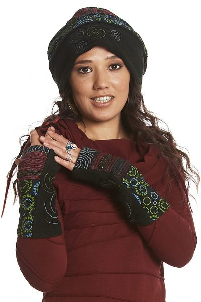 Fleece wrist warmers with spirals